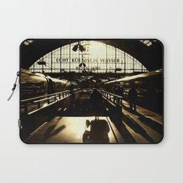 Railway Station Cologne (monochrom) Laptop Sleeve