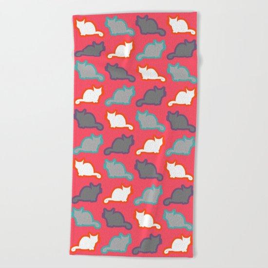 Cute cat pattern in pink Beach Towel