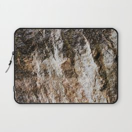 WATER OVER ROCKS. Laptop Sleeve