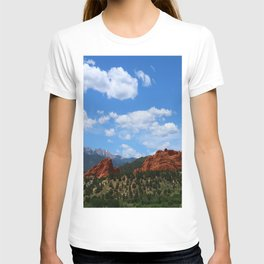 Garden Of Gods View With Kissing Camels T-shirt