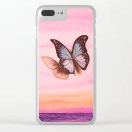 L'amour vogue avec le papillon Clear iPhone Case