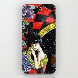 La belle aux bois... iPhone Skin