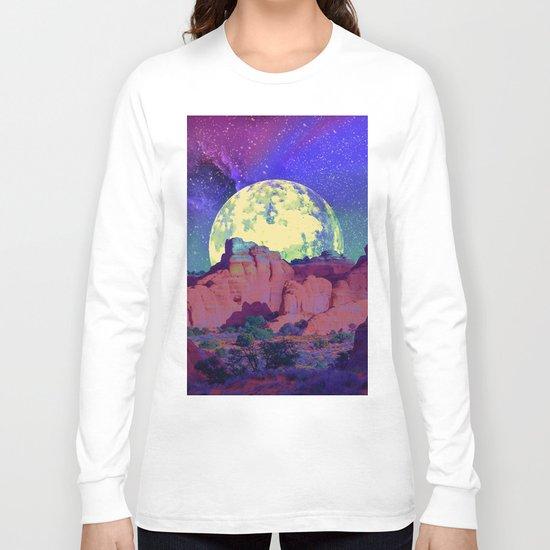 night desert landscape Long Sleeve T-shirt