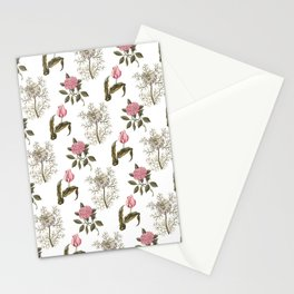 Pink and White Vintage Floral Pattern Stationery Cards