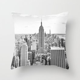 New York City, Manhattan (Black & White) Throw Pillow
