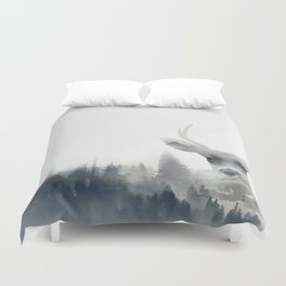 Fearless  winter deer Duvet Cover