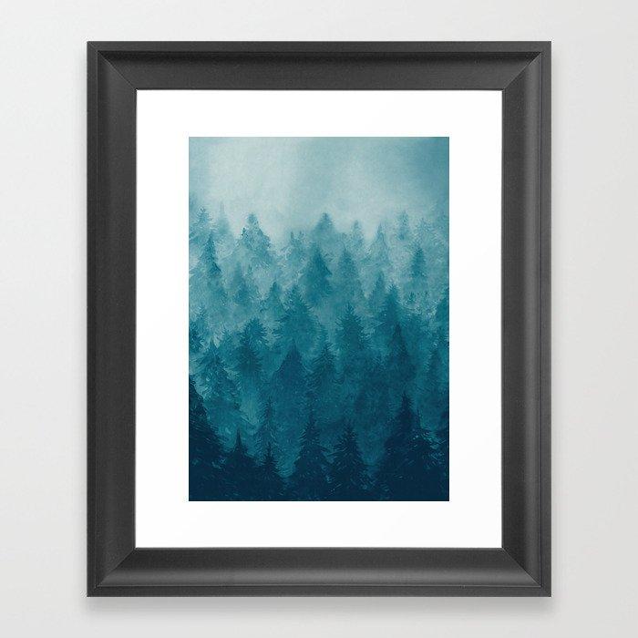 Misty Pine Forest Gerahmter Kunstdruck