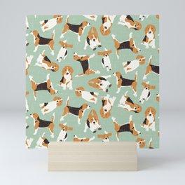beagle scatter mint Mini Art Print