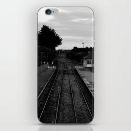 PAR TRAIN STATION - BLACK & WHITE iPhone Skin