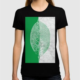 Natural Outlines - Leaf Green & White Marble #452 T-shirt