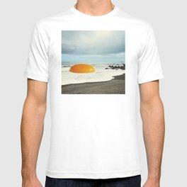 Beach Egg - Sunny side up T-shirt