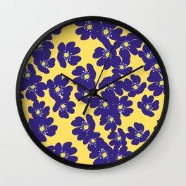 Blåsippor. Liverwort Wall Clock
