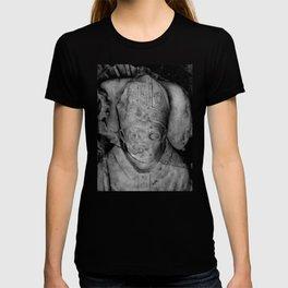 Statue #8 T-shirt