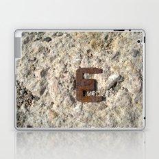 LETRA E Laptop & iPad Skin