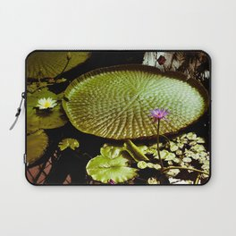 Life Upon A Lily Pad Laptop Sleeve