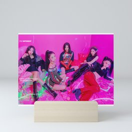 Itzy Kpop New Girl Group Mini Art Print