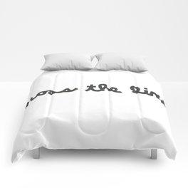 CROSS THE LINE Comforters