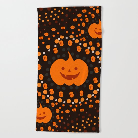 Halloween pumpkin pattern Beach Towel