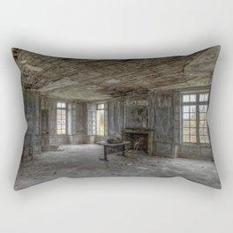 Le Château des simiiformes - Le bureau Rectangular Pillow