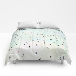 Winter vacation aquarelle Comforters
