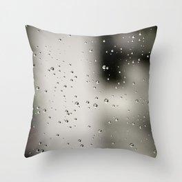 Rain bulles Throw Pillow