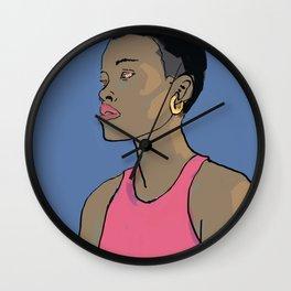 Femme au cheveux courts Wall Clock