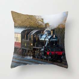 Kinchley curve Throw Pillow