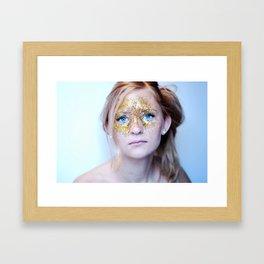 Guld Dust Sorrow Framed Art Print