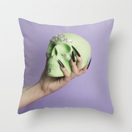 To trick or to treat? Throw Pillow