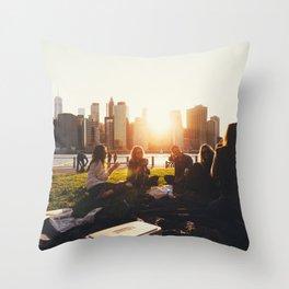 New York 07 Throw Pillow