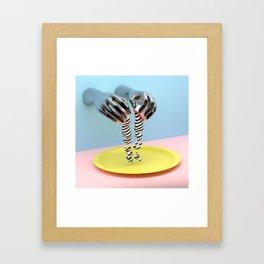 Cosmica y sus huevos Framed Art Print