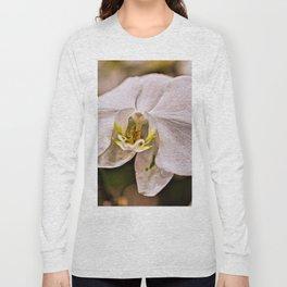 Single White Flower Closeup Long Sleeve T-shirt