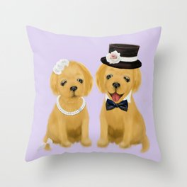 retriever couple Throw Pillow