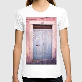 Pink Wall in Lisbon T-shirt