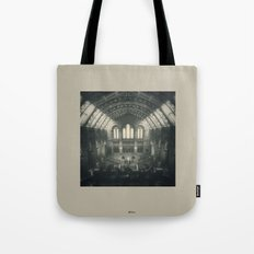 London - Natural History Museum Tote Bag