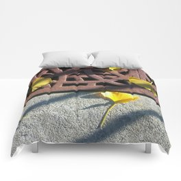 Grate and Ginkgo Leaves Comforters