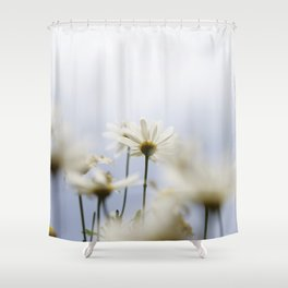 Flors blanques Shower Curtain