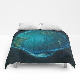 Globe: Relief Atlantic Comforters