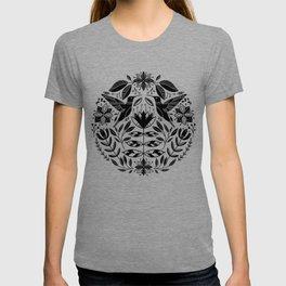 Hummingbird Floral Folk Art - Black T-shirt