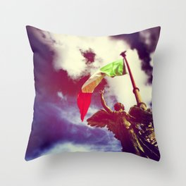 The angel and the flag Throw Pillow