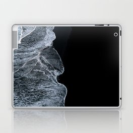Waves on a black sand beach in iceland - minimalist Landscape Photography Laptop & iPad Skin
