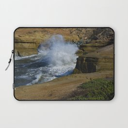 Breakers at the cliffs Laptop Sleeve