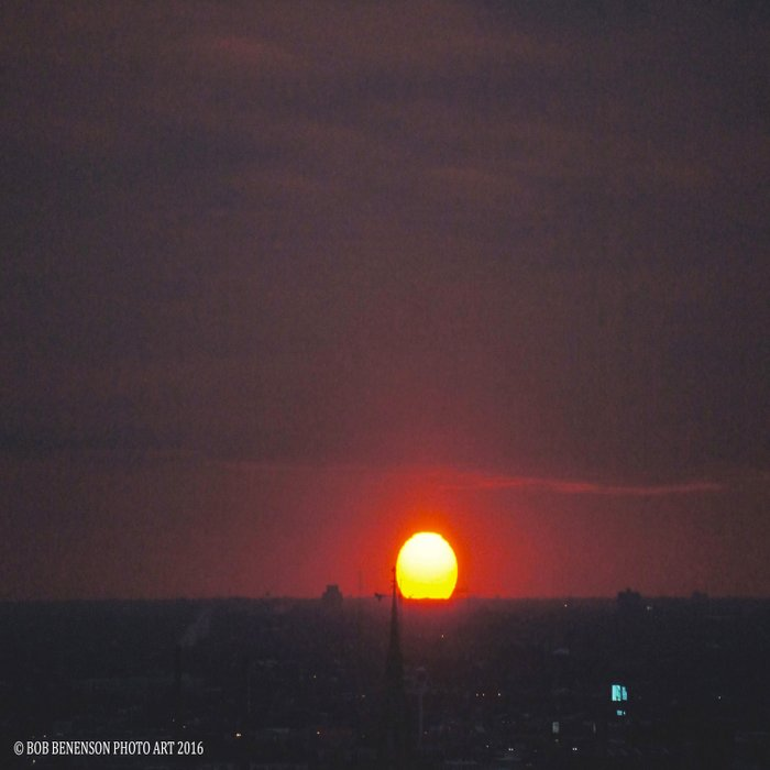 Great Ball of Fire: Chicago Sunset, Jan. 13, 2016 (Chicago Sunrise/Sunset Collection) Comforters