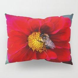 Bee in dahlia Pillow Sham