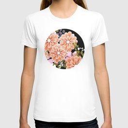 Japanese Circle 7 Golden Chrysanthemum Flower T-shirt