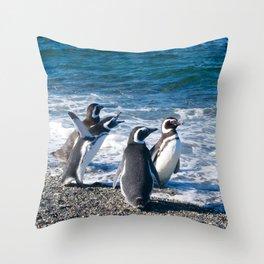Penguin clique Throw Pillow