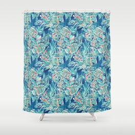 HERE FISHIE Shower Curtain