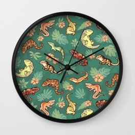 Gecko family in green Wall Clock