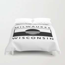 Milwaukee Wisconsin - White - People's Flag of Milwaukee Duvet Cover
