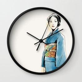 青い着物の女 Wall Clock
